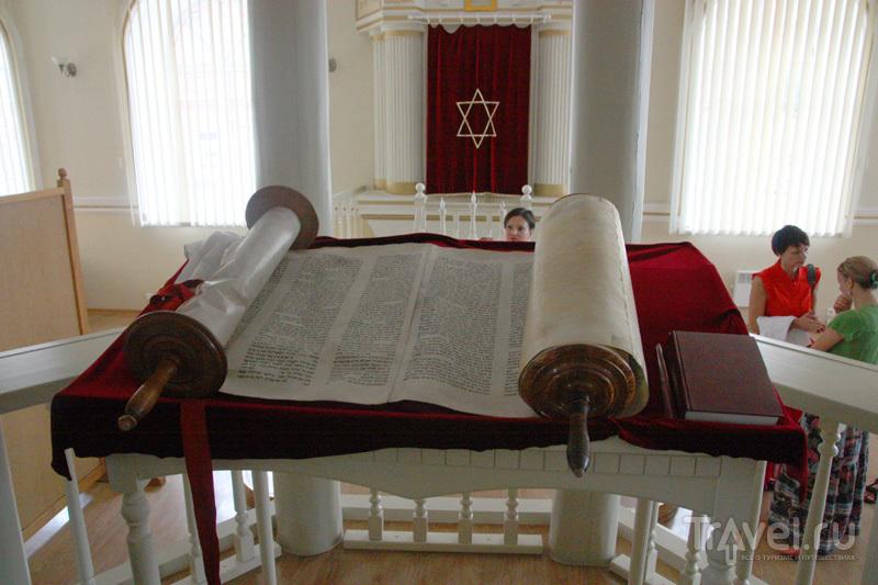 Свиток торы в синагоге / Фото из Латвии