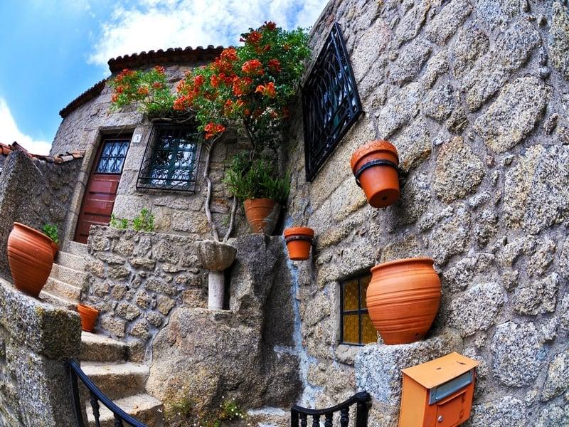 Традиционные улочки Монсанто, Португалия / Португалия