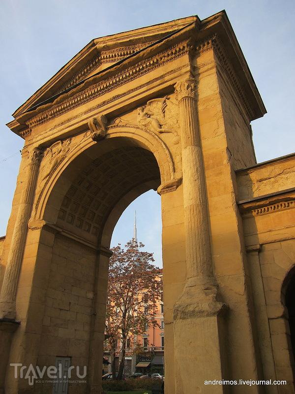 Новые ворота (Porta Nuova) в Милане, Италия / Фото из Италии