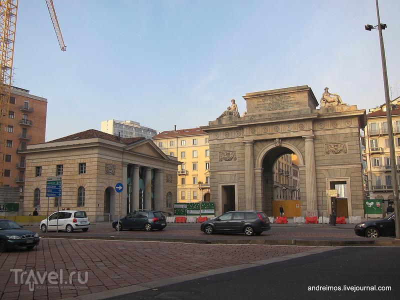 Ворота Гарибальди (Porta Garibaldi) в Милане, Италия / Фото из Италии