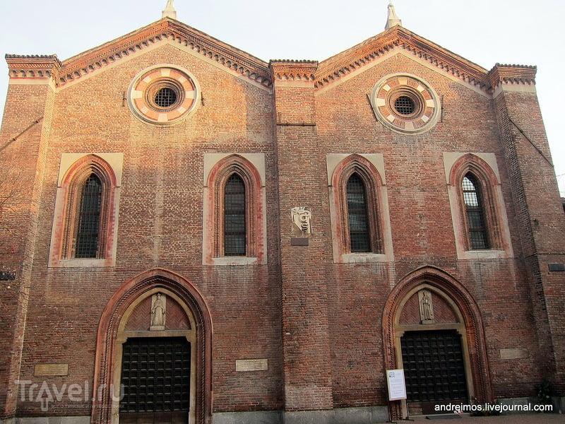 Церковь Св. Марии Коронованной (Chiesa di Santa Maria Incoronata) в Милане, Италия / Фото из Италии
