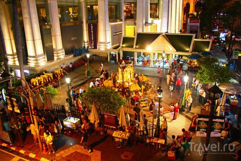 Храмы Бангкока. Wat Tramit, Holy Rosary Church, Wat Benchamabophit, Wat Suthat, Wat Ratchanatda. / Фото из Таиланда