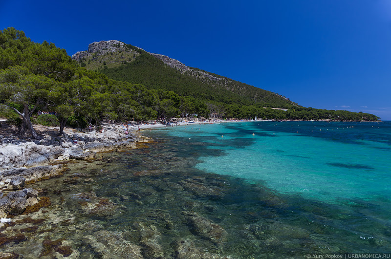 Пляж на мысе Форментор на Мальорке, Испания / Фото из Испании