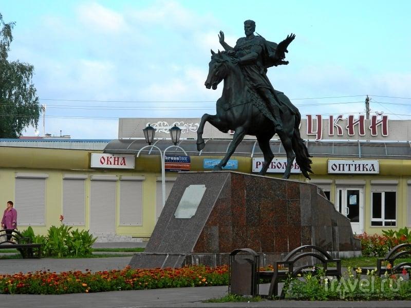 Памятник князю Всеславу Брячиславичу в Полоцке, Белоруссия / Фото из Белоруссии