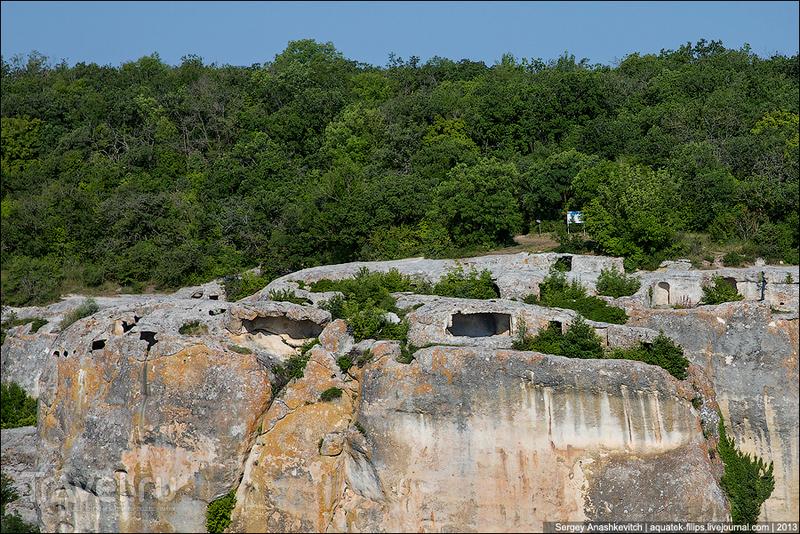 Пещерный город Эски-Кермен, Украина / Фото с Украины