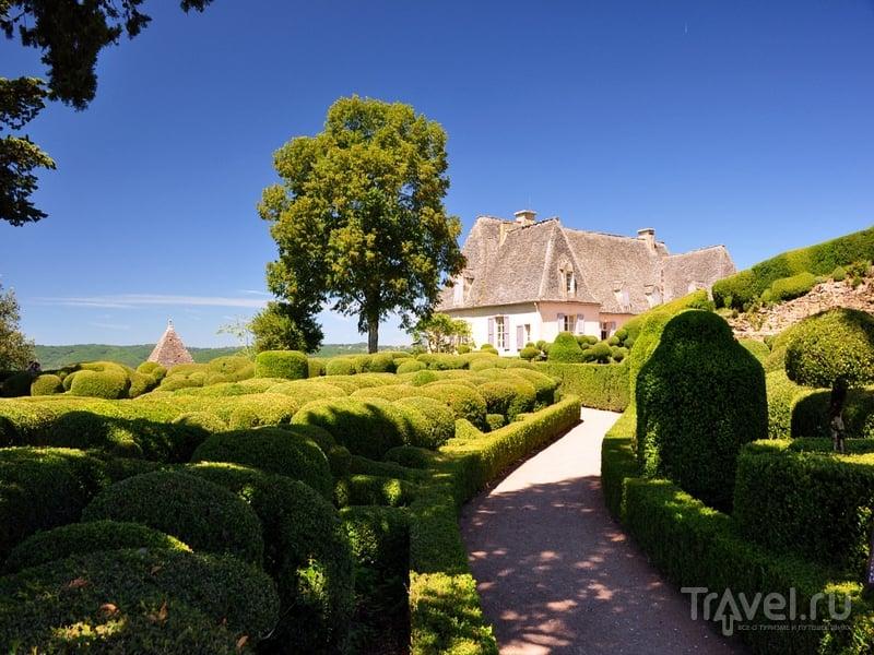 В садах Маркесак можно прогуляться по тенистым аллеям и извилистым дорожкам, Франция / Франция