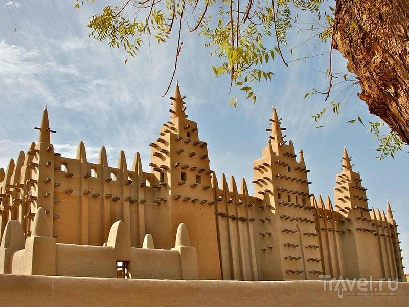 Строительство мечети завершилось в 1909 году, Мали / Мали