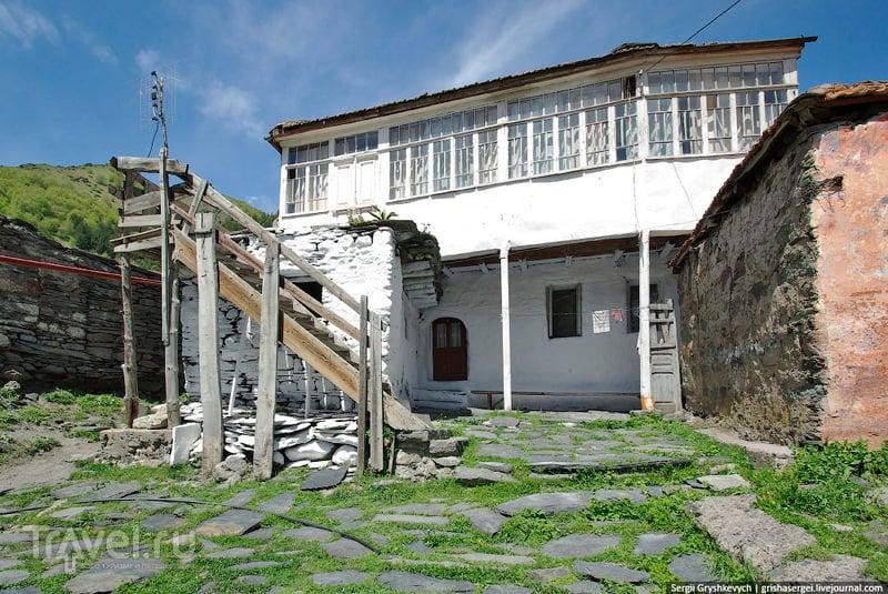 Гергети и вид на Казбек / Фото из Грузии