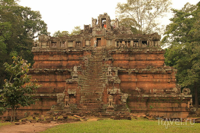Храм Phimeanakas в Ангкор-Тхоме, Камбоджа / Фото из Камбоджи