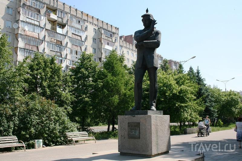 Памятник Ивану Степановичу Палантаю в Йошкар-Оле, Россия / Фото из России