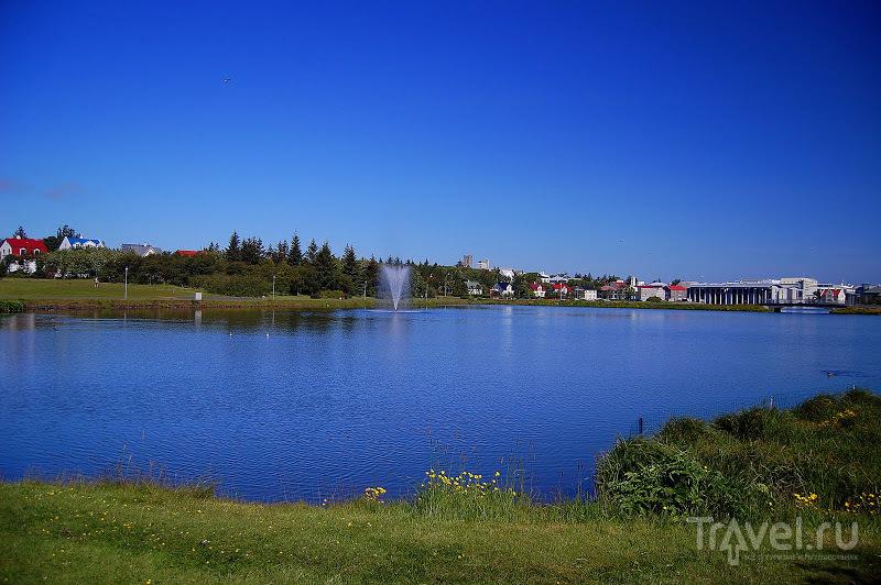 Озеро Тьёрнин в Рейкьявике, Исландия / Фото из Исландии