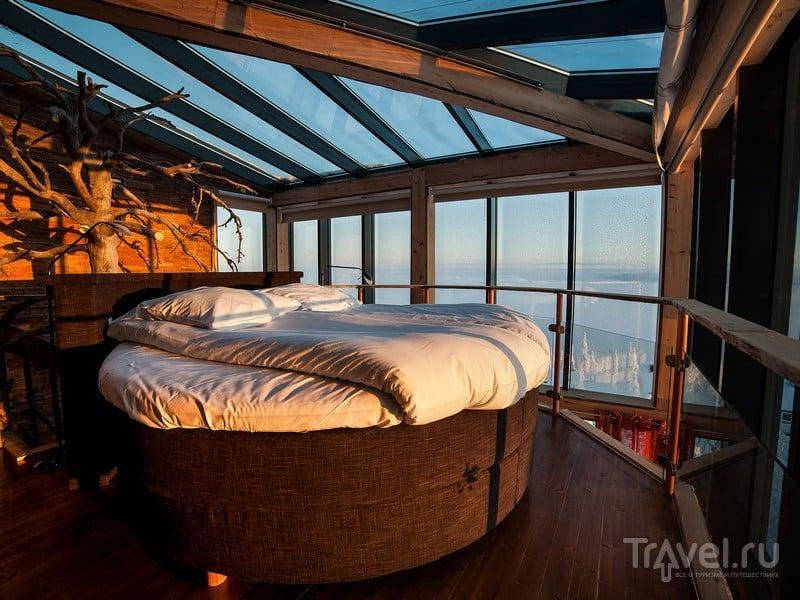 Из панорамных окон Eagle's View Suite открываются захватывающие виды национального парка Сюёте, Финляндия / Финляндия