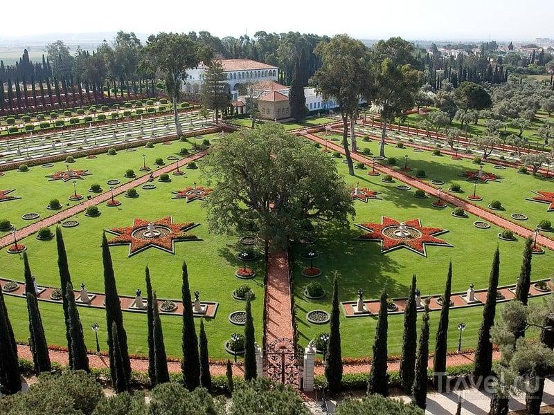 В дождливую погоду, а также в святые дни Бахаи и Йом-Киппур сады закрыты, Израиль / Израиль