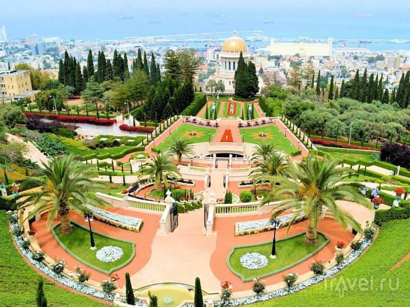 Бахайские сады находятся на склонах горной гряды Кармель, в северной части Израиля / Израиль
