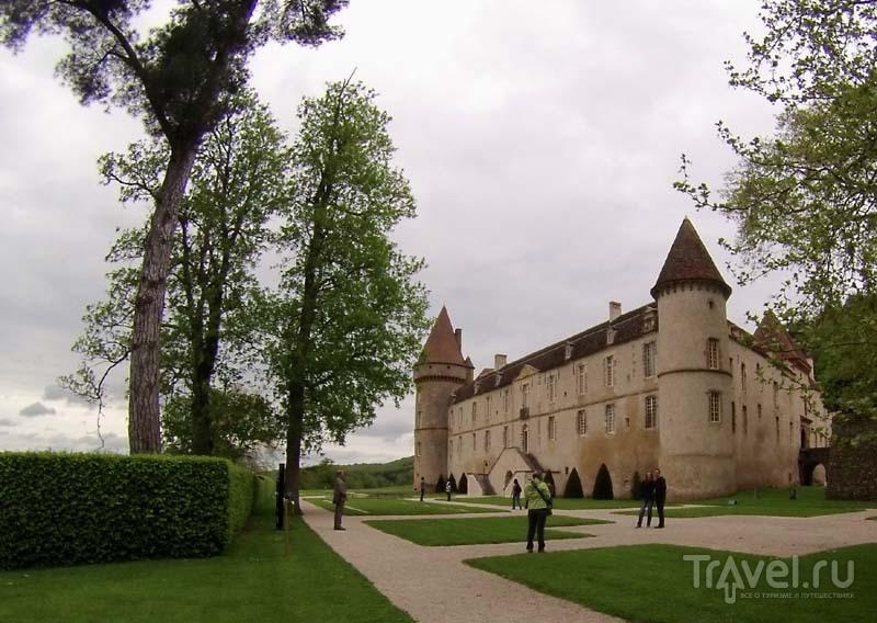 Шато-де-Базош, Франция / Фото из Франции