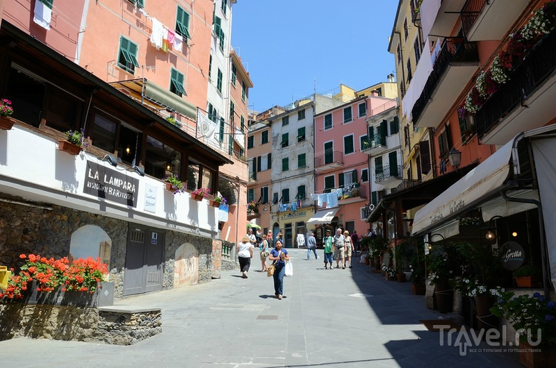 В городе Риомаджоре, Италия / Фото из Италии