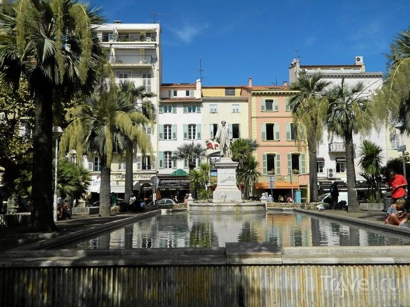 Памятник лорду Брогему в Каннах, Франция / Фото из Франции