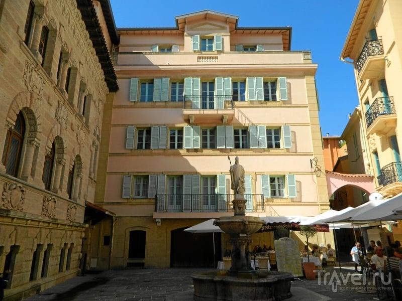Площадь Place Saint-Nicolas в Монако / Фото из Монако