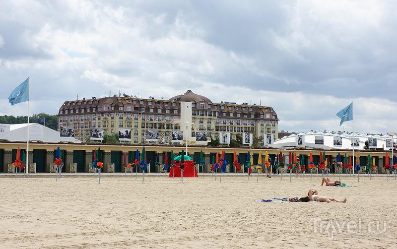 Пляж в Довиле, Франция / Фото из Франции