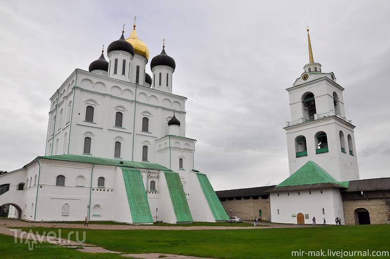 Свято-Троицкий кафедральный собор в Псковском кремле, Россия / Фото из России