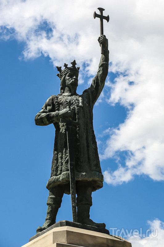 Памятник Штефану Великому в Кишиневе, Молдавия / Фото из Молдавии