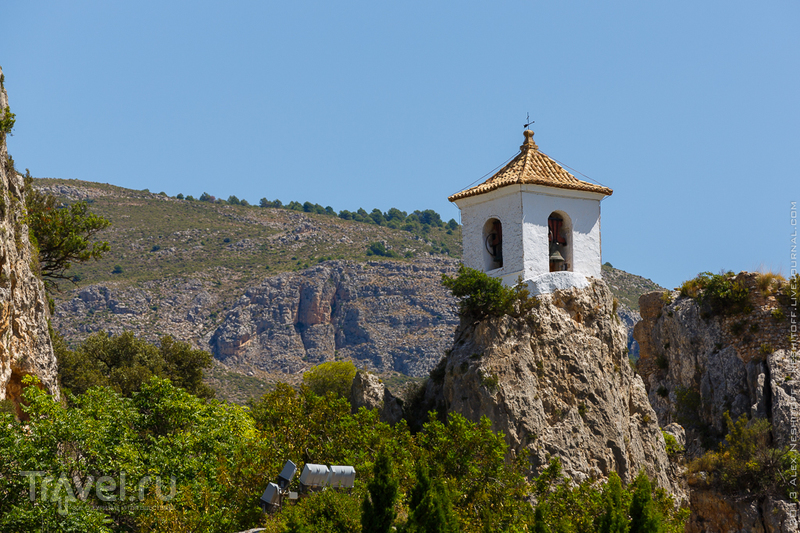 Замок Алказаиба в Гуадалесте, Испания / Фото из Испании