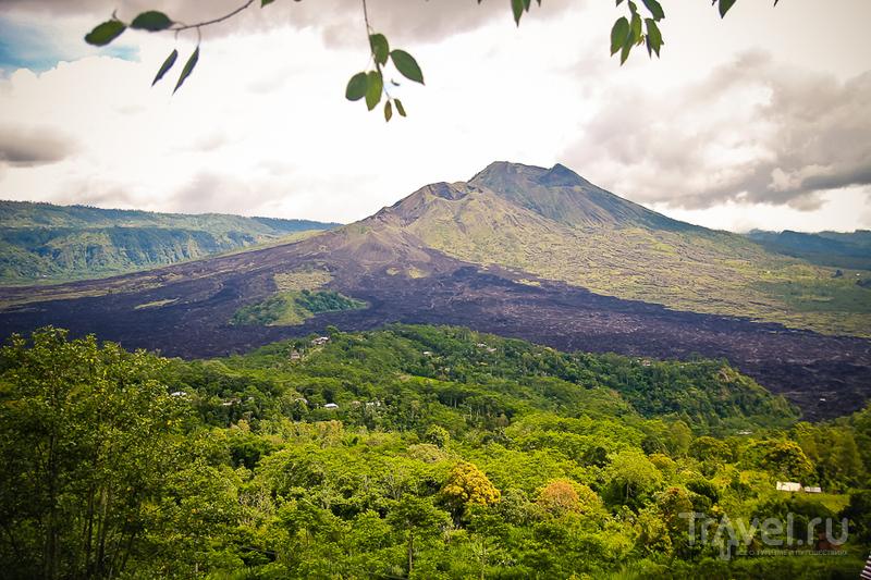 Вулкан Гунунг-Батур на острове Бали, Индонезия / Фото из Индонезии