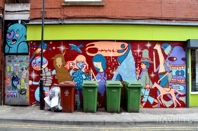 Рисунки на домах в районе Nothern Quarter в Манчестере, Великобритания / Фото из Великобритании