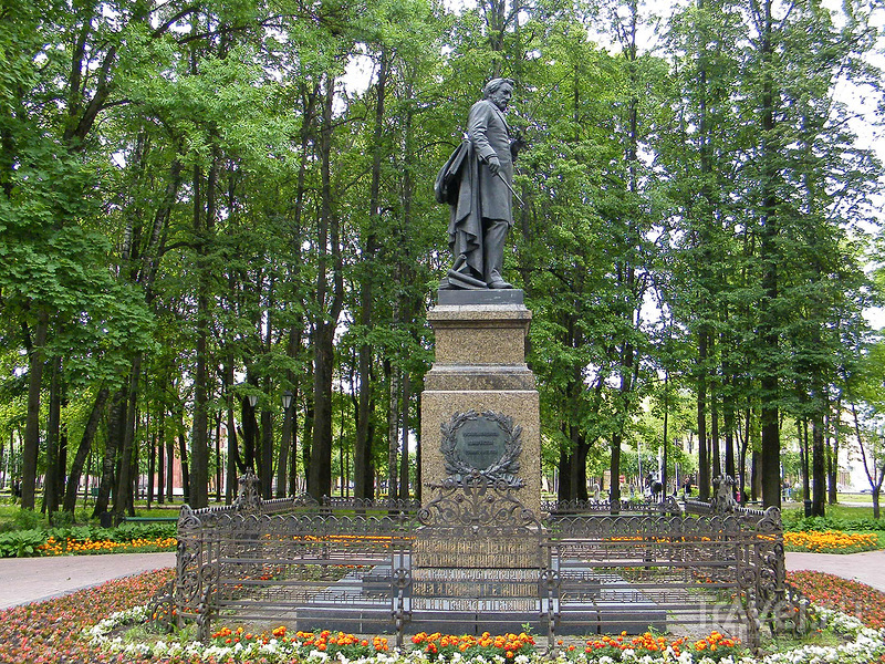 Памятник Михаилу Глинке в Смоленске, Россия / Фото из России
