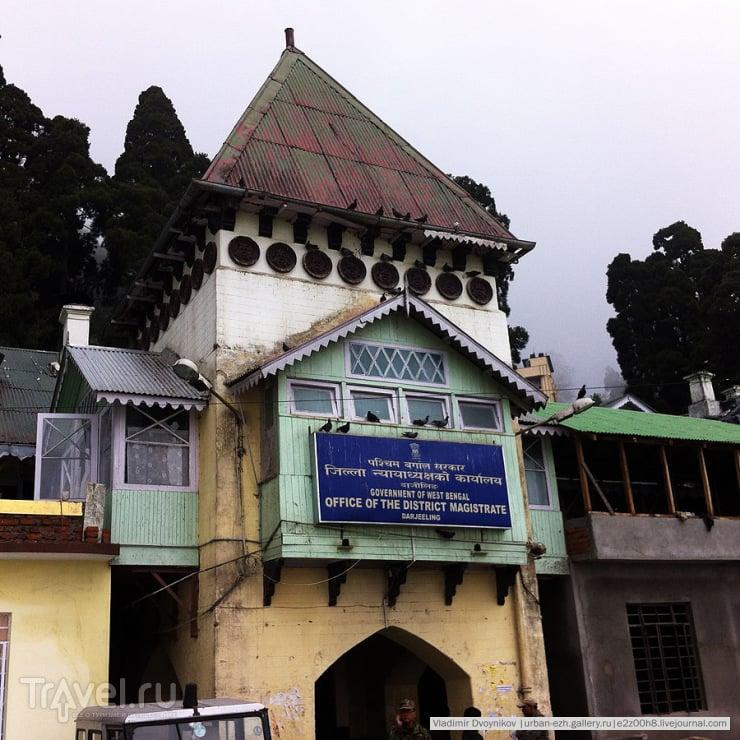Заветный DM office, он же Office of the District Magistrate / Индия
