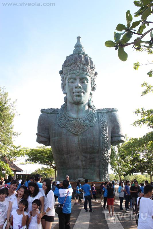 В парке Гаруда-Вишну-Кенсана на Бали, Индонезия / Фото из Индонезии