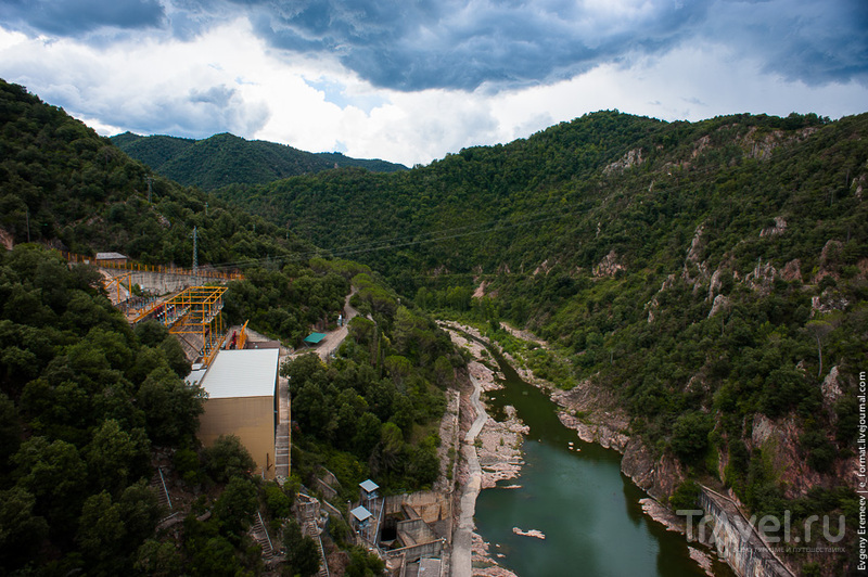 Сказ о затонувшей церкви на озере Сау / Испания