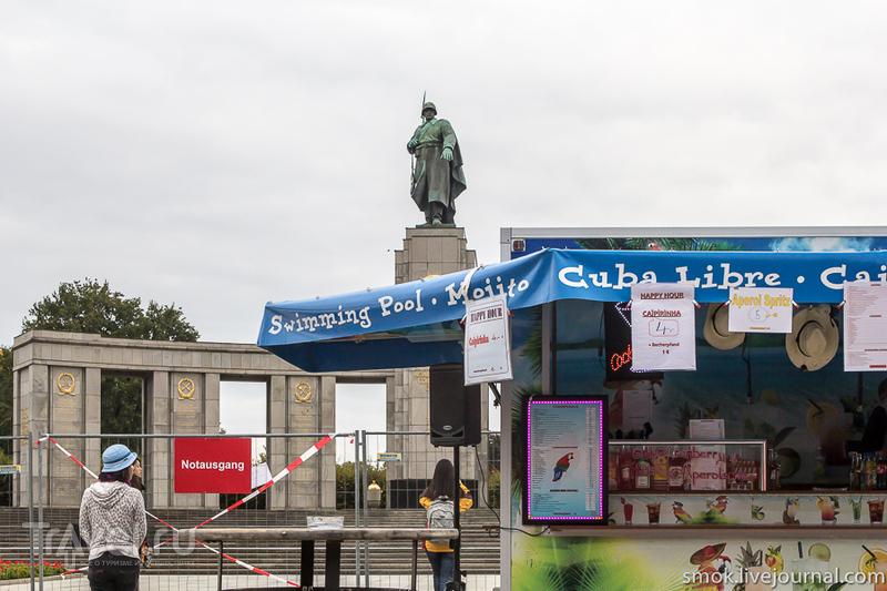 Мемориал советским воинам, погибшим при взятии Берлина в Берлине, Германия / Фото из Германии