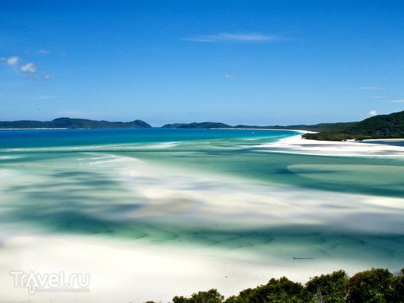 Песчаные волны австралийского пляжа Уайтсанди / Австралия