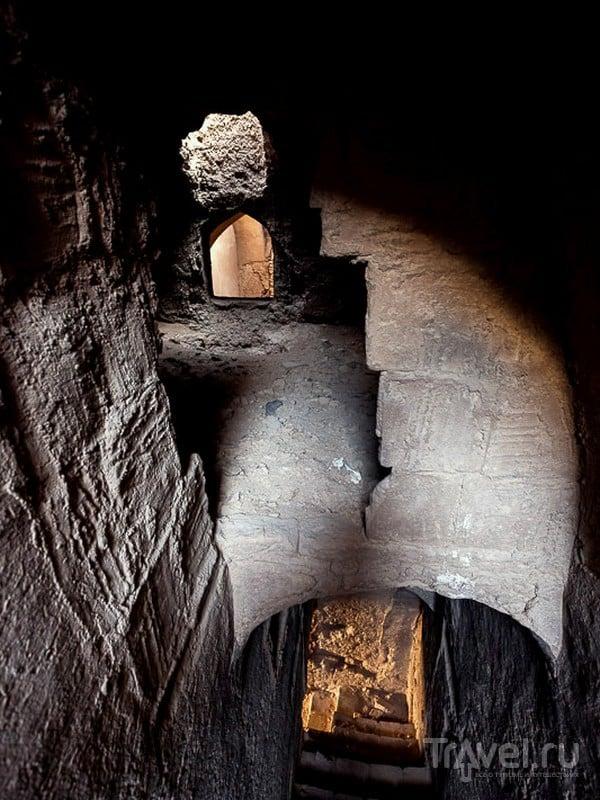 Интерьеры заброшенных глиняных зданий в Йезде, Иран / Иран