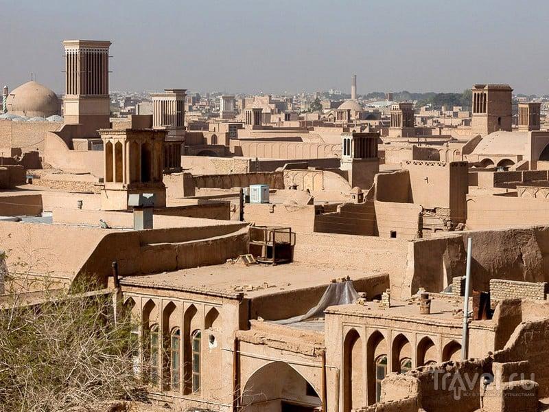 Йезд - один из древнейших городов Ирана, расположенный в центральной части страны / Иран
