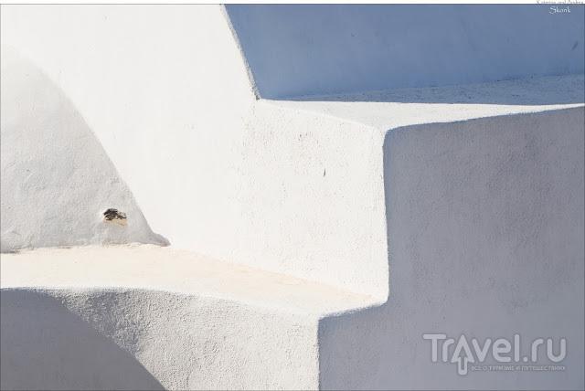 По острову на машине. Pyrgos и гора Profitis Ilias / Греция