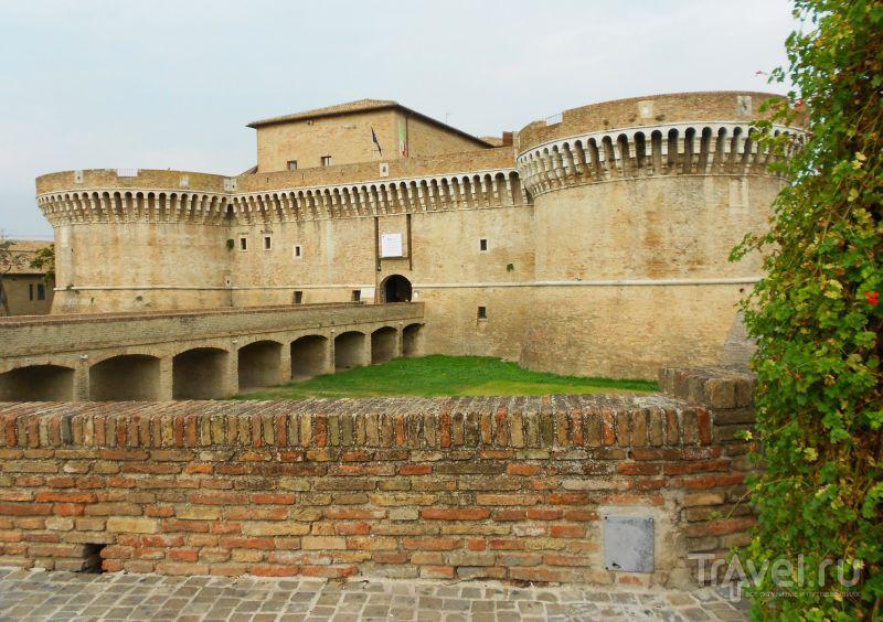 Крепость Рокка-Ровереска в Сенигаллии, Италия / Фото из Италии