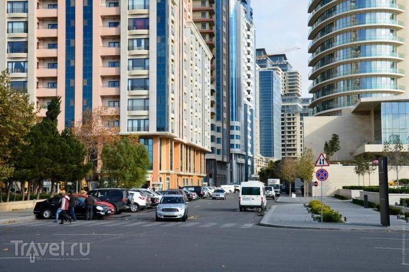 Баку. Днем и ночью / Азербайджан