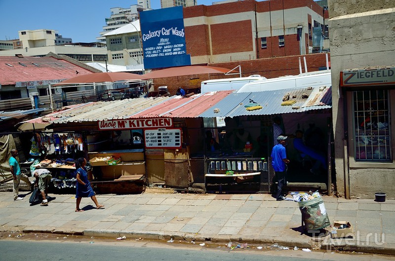 Hop On / Hop Off. По Йоханнесбургу на красном автобусе / Фото из ЮАР