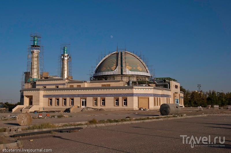 Мечеть в кампусе в Мешхеде, Иран / Фото из Ирана