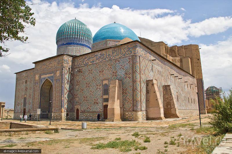 Мавзолей Ходжи Ахмеда Ясави в Туркестане, Казахстан / Фото из Казахстана