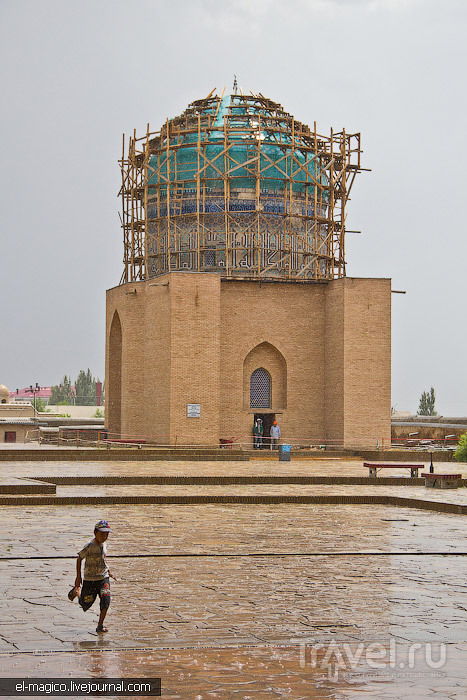 Мавзолей Рабиги Султан Бегим в Туркестане, Казахстан / Фото из Казахстана