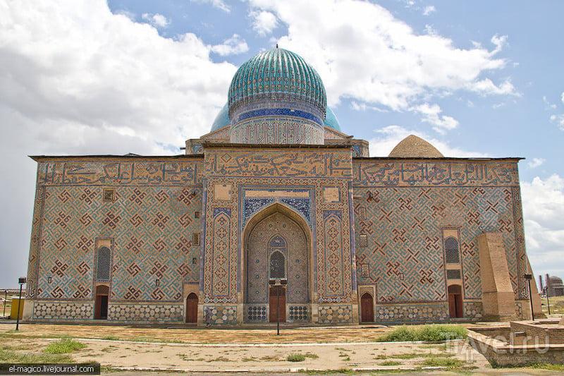 Мавзолей Хазрет Султан в Туркестане, Казахстан / Фото из Казахстана
