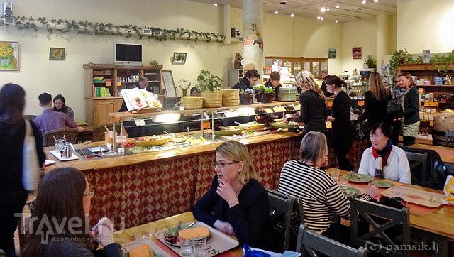 """Хельсинки. Рынок Хаканиеми + вегетарианское кафе """"Silvoplee"""" / Финляндия"""