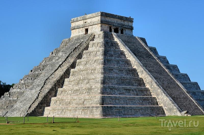 Пирамида Кукулькана в Чичен Ица, Мексика / Фото из Мексики