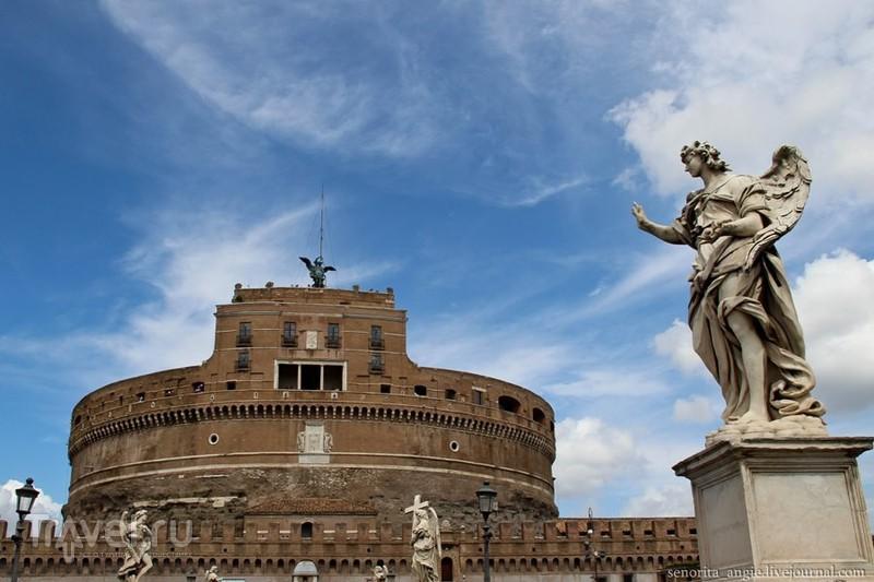 Замок Святого Ангела (Castel Sant'Angelo) в Риме, Италия / Фото из Италии