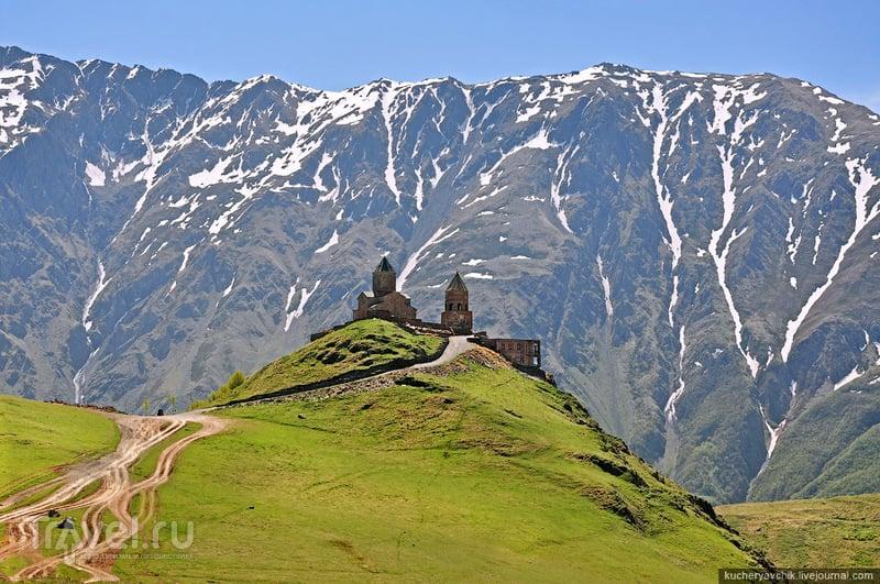 Церковь Троицы Гергети / Фото из Грузии