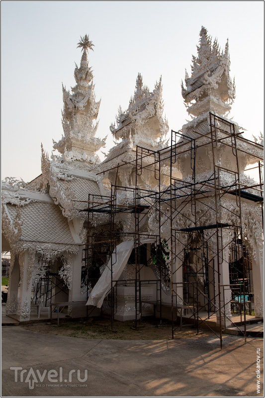 Некоторые здания уже завершаются. Но большая часть комплекса ещё не начата / Фото из Таиланда