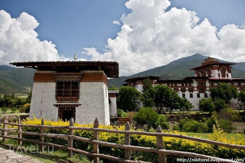 В городе Пунакха, Бутан / Фото из Бутана